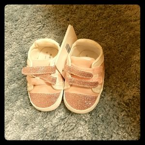 NWT 7 to 9 month sparkle shoes, pink mayoral